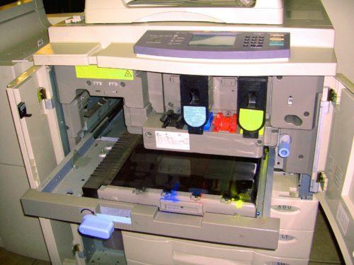 Elektrogeräte wie Kopierer und Drucker sind besser in separaten Räumen aufgehoben. Foto: Pixabay