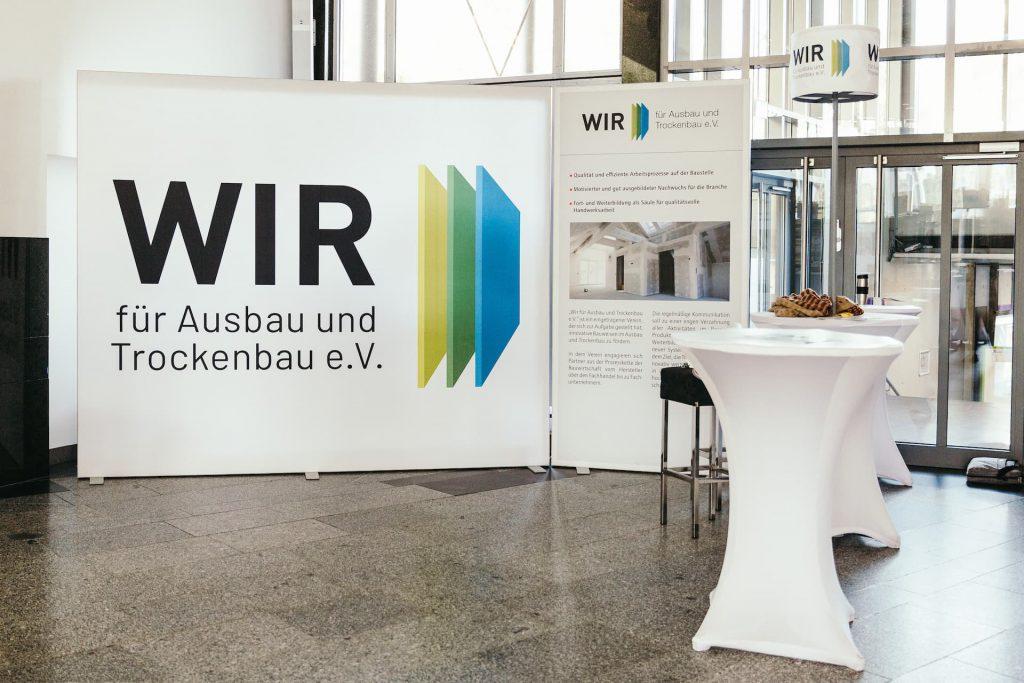 """Infostand beim """"Forum Zukunft Ausbau und Trockenbau"""" 2019 in Berlin. Foto: WIR e.V."""