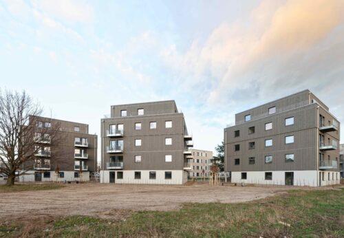 Auch hierzulande im Trend: In Berlin-Adlershof entstanden drei Wohnhäuser in Holz-Hybridbauweise. Foto: Brüninghoff