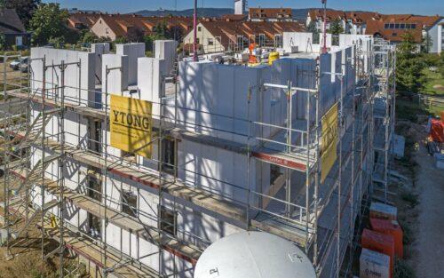 Nummer zwei im Markt: Mehrfamilienhausbau mit großformatigen Porenbetonsteinen. Foto: Xella Deutschland GmbH