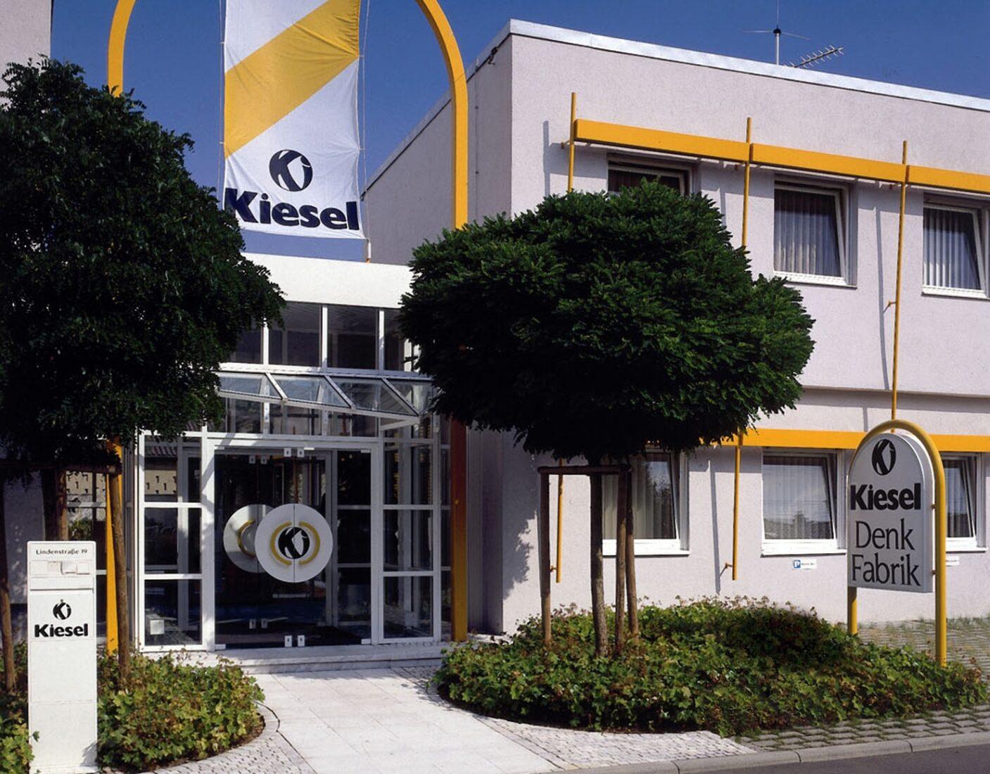 Das Online-Erlebnis wird aus der Denk-Fabrik in Esslingen-Berkheim gesendet. Fotos: Kiesel