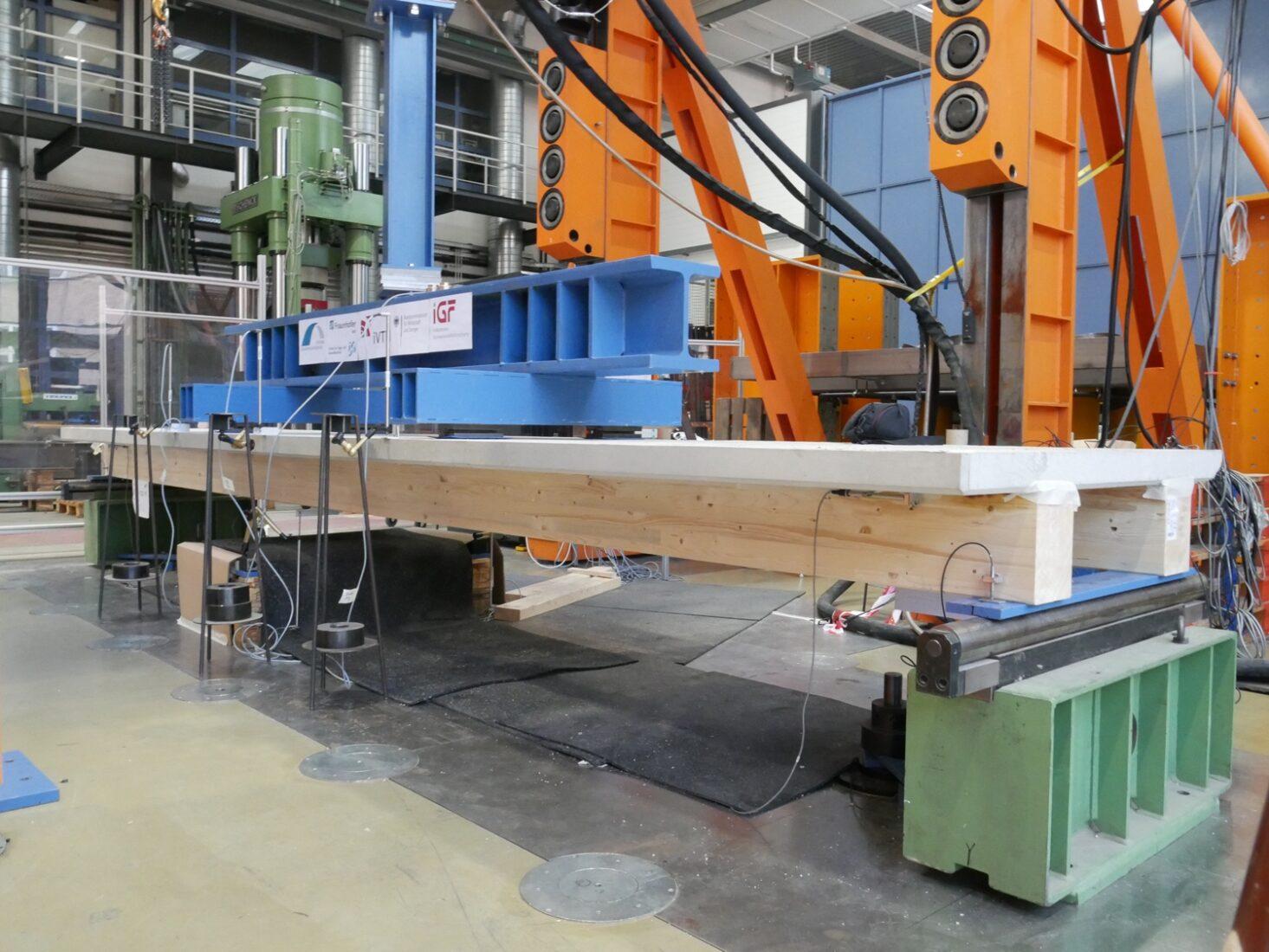 Die Klebtechnik eignet sich auch für tragfähige HBV-Decken mit großen Spannweiten. Foto: Universität Kassel / Jens Frohnmüller