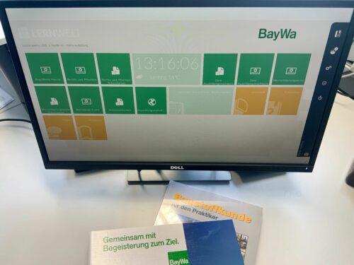 Für seine 91 neuen Azubis schuf BayWa Baustoffe 2020 eine neue virtuelle Lernwelt – die sonst übliche zentrale Einführungsveranstaltung musste aber leider ausfallen. Foto: BayWa AG