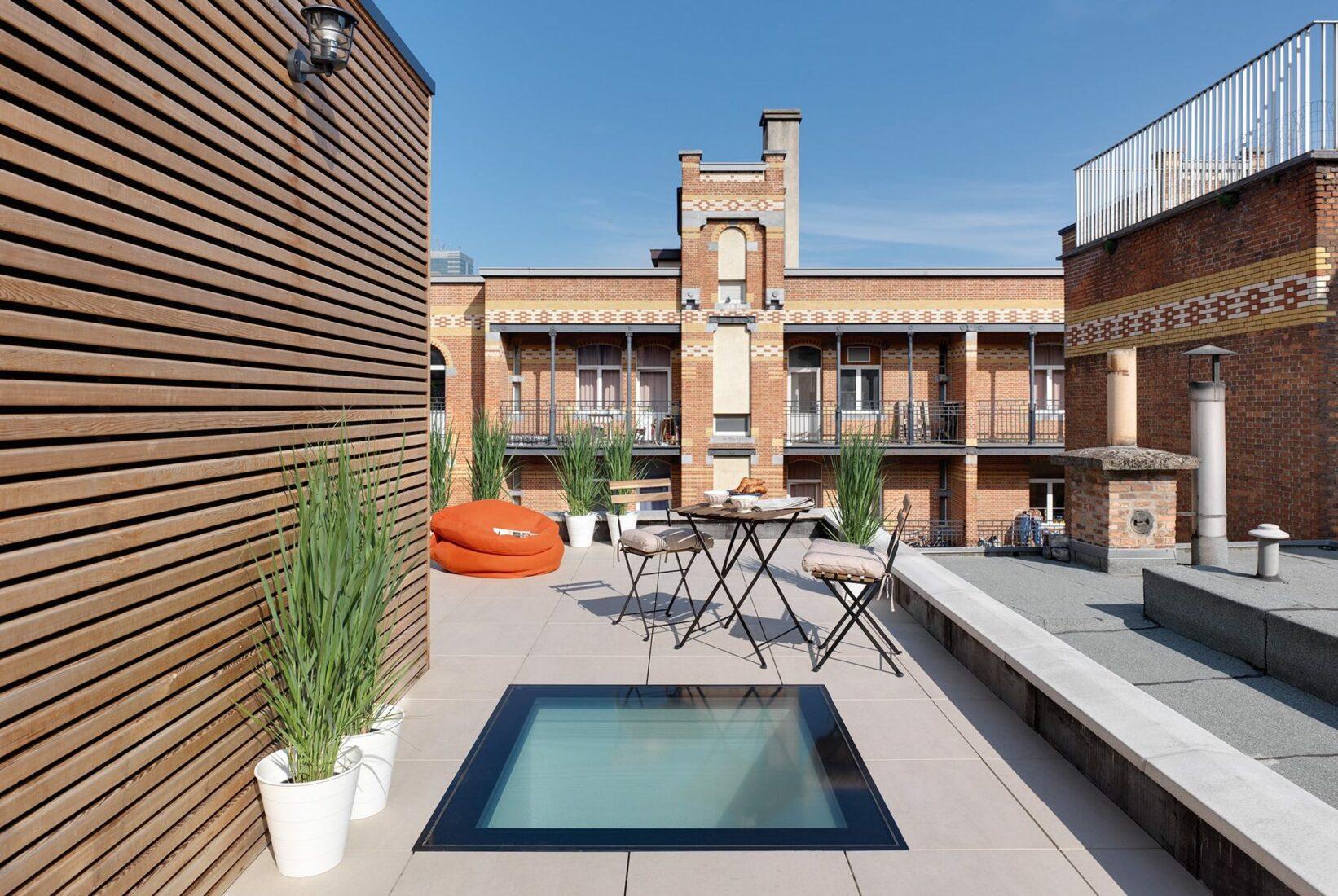 Ideal für Dachterrassen: Das Fixelement DXW ist problemlos begehbar. Foto: Fakro