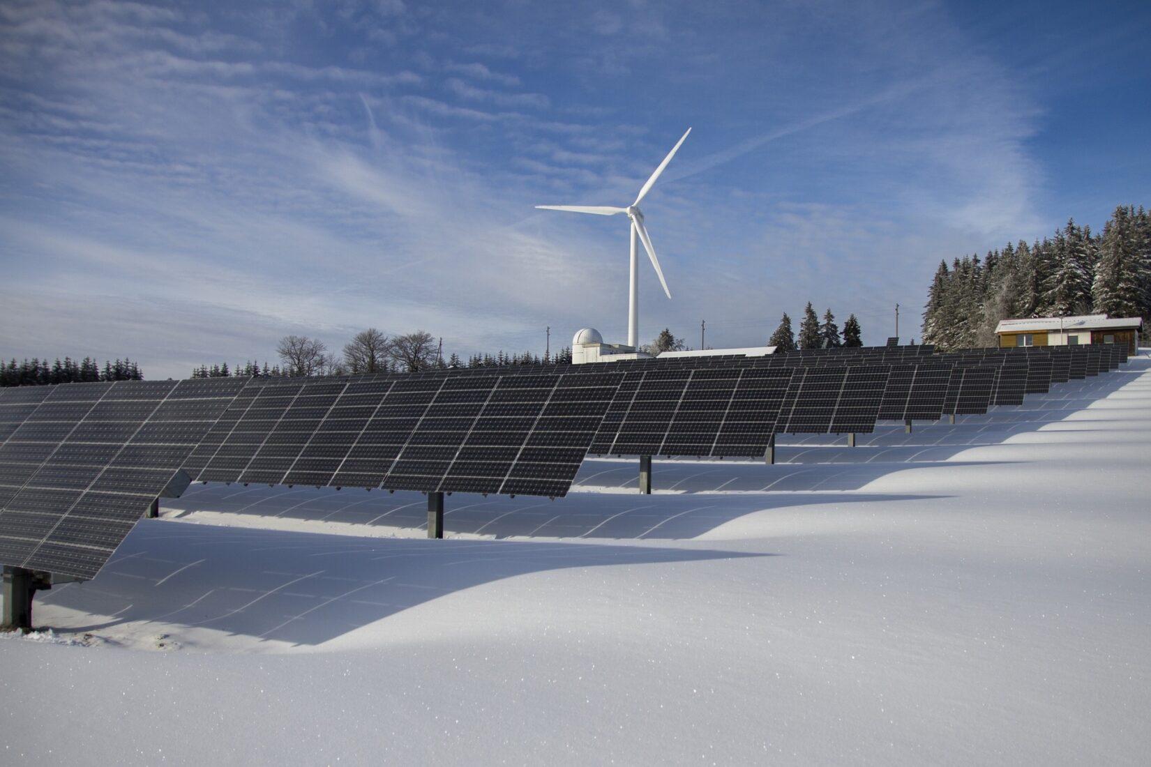 Auch aus Kostengründen spricht künftig alles für Wind- und Solarstrom. Foto: Pixabay