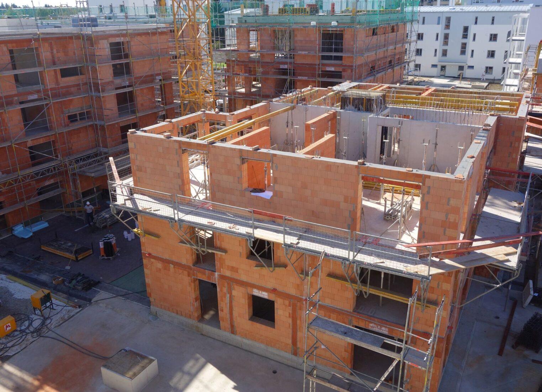 Wohngebäude aus Poroton-Ziegeln sparen mehr Energie als sie graue Energie verbrauchen. Foto: Poroton/Thomas Drexel