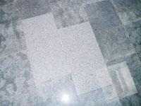 Verfärbungen durch falschen Mörtel bei Padang-Granit