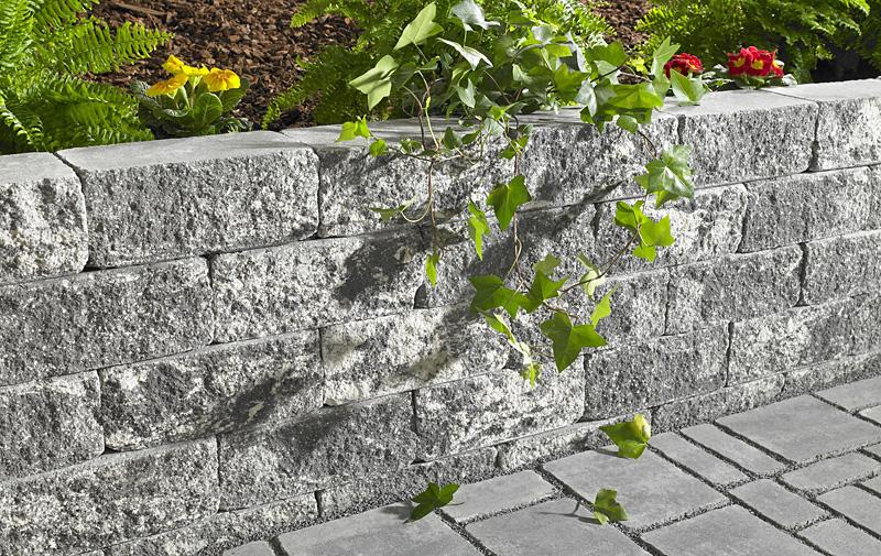 Gartenmauern Benotigen Ein Stabiles Fundament Galabau Und Tiefbau