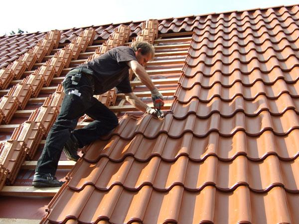 Verlegung von Dachziegeln