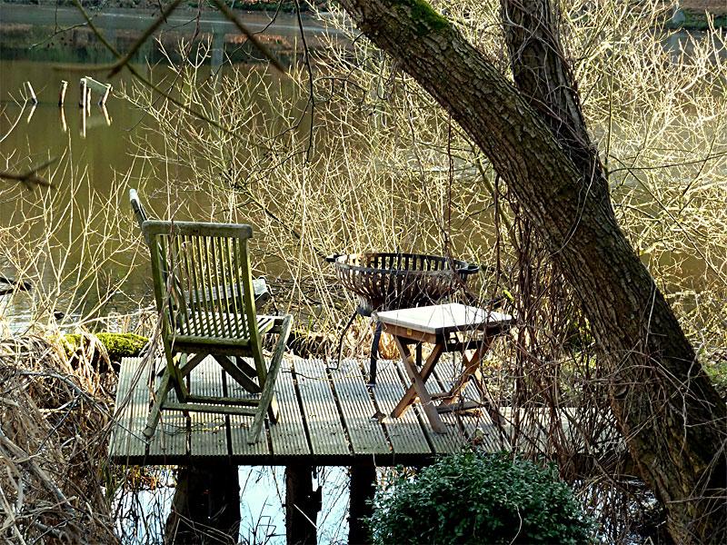 holzschutz im garten welche m glichkeiten gibt es garten und landschaftsbau holz. Black Bedroom Furniture Sets. Home Design Ideas