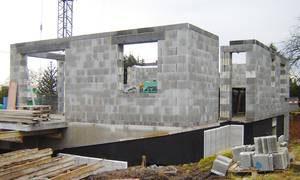 Mauerwerk aus Leichtbetonsteinen