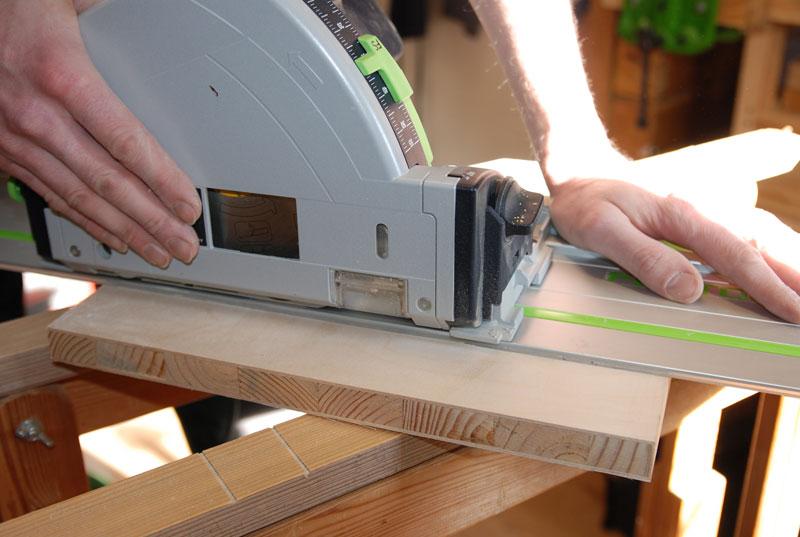 Schnitt durch eine Tischlerplatte aus Stabsperrholz.