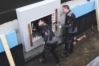 Montage-Element zum Kellerfenstereinbau